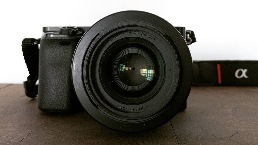 sony A6000 mirroless camera