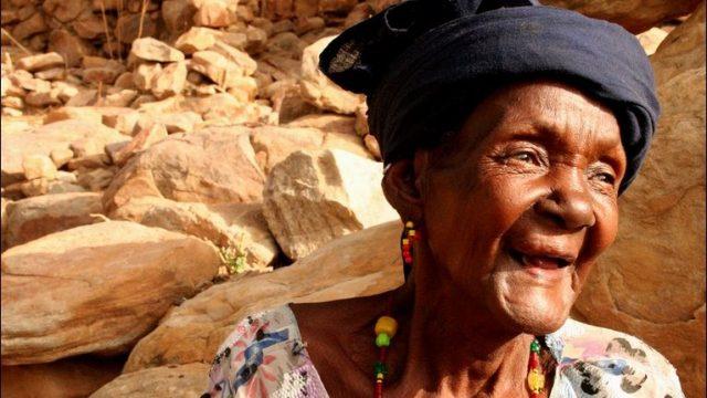 アフリカ人のお年寄り