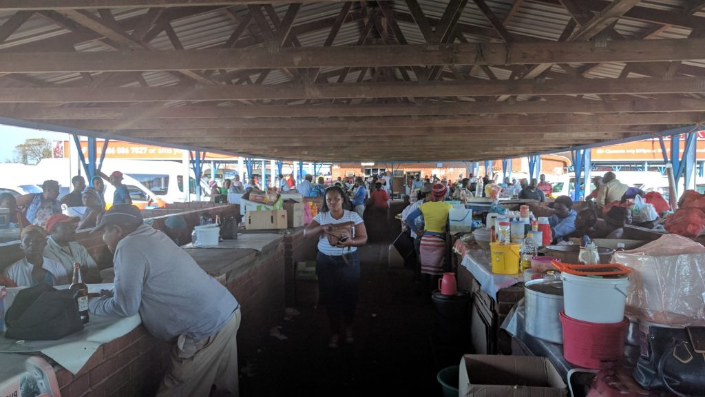 ムトゥバトゥバのマーケット