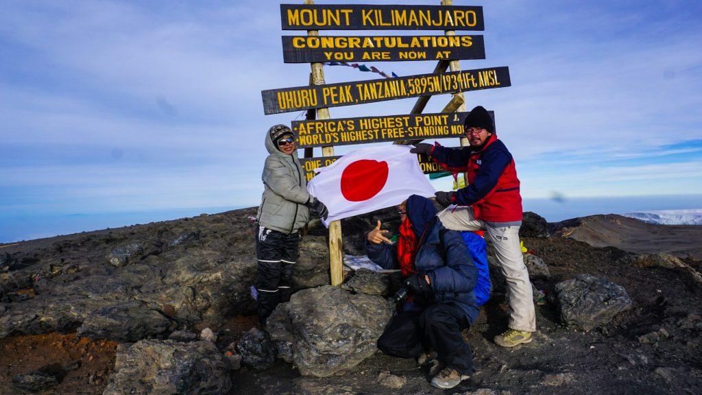 キリマンジャロ登頂ウフルピークへ