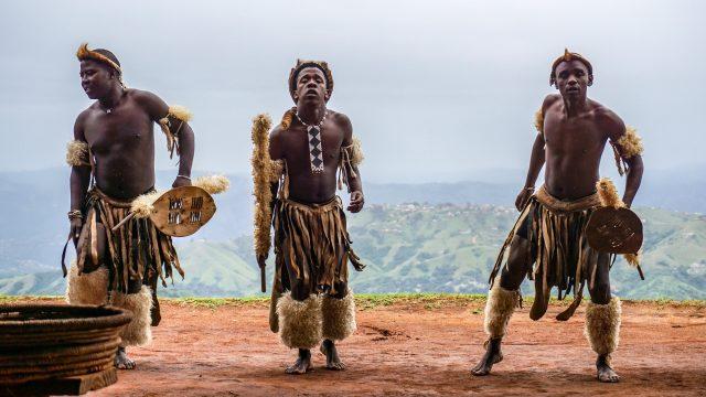 ズールー族男性の伝統的な衣装