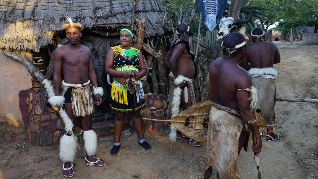 ズールー族の伝統的な衣装