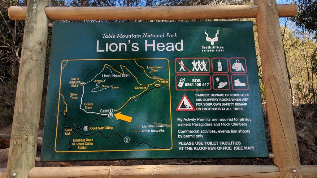 ライオンズヘッド登山道の目印