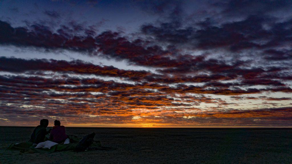 朝起きたらアフリカの朝日におはよう