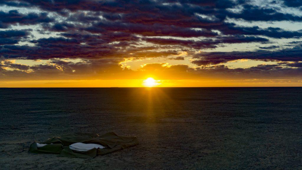 塩湖で眺めるアフリカの朝日も最高だった