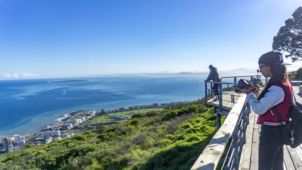 シグナルヒルは海を間近で眺めることができる