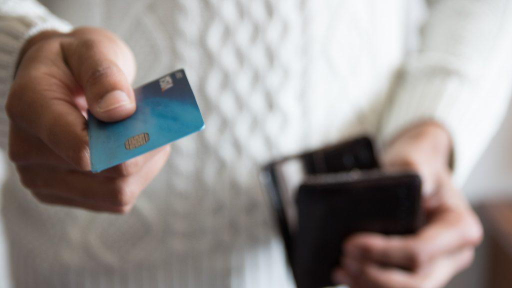 海外保険に対応しているクレジットカードがさらに◎