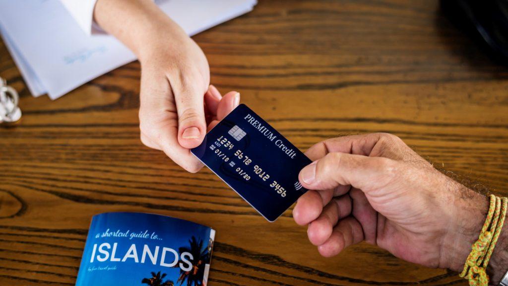 クレジットカードを持っていって旅行中のリスクを下げる