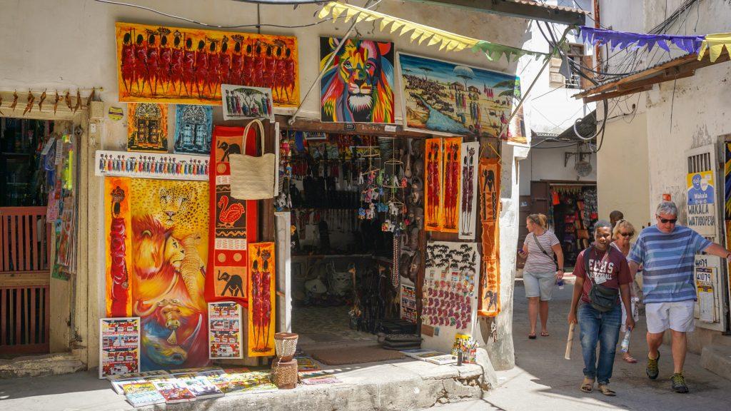 タンザニア・ザンジバルの世界遺産の街ストーンタウンのお土産屋