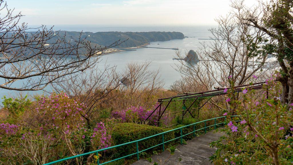 寝姿山から眺める下田港の景色