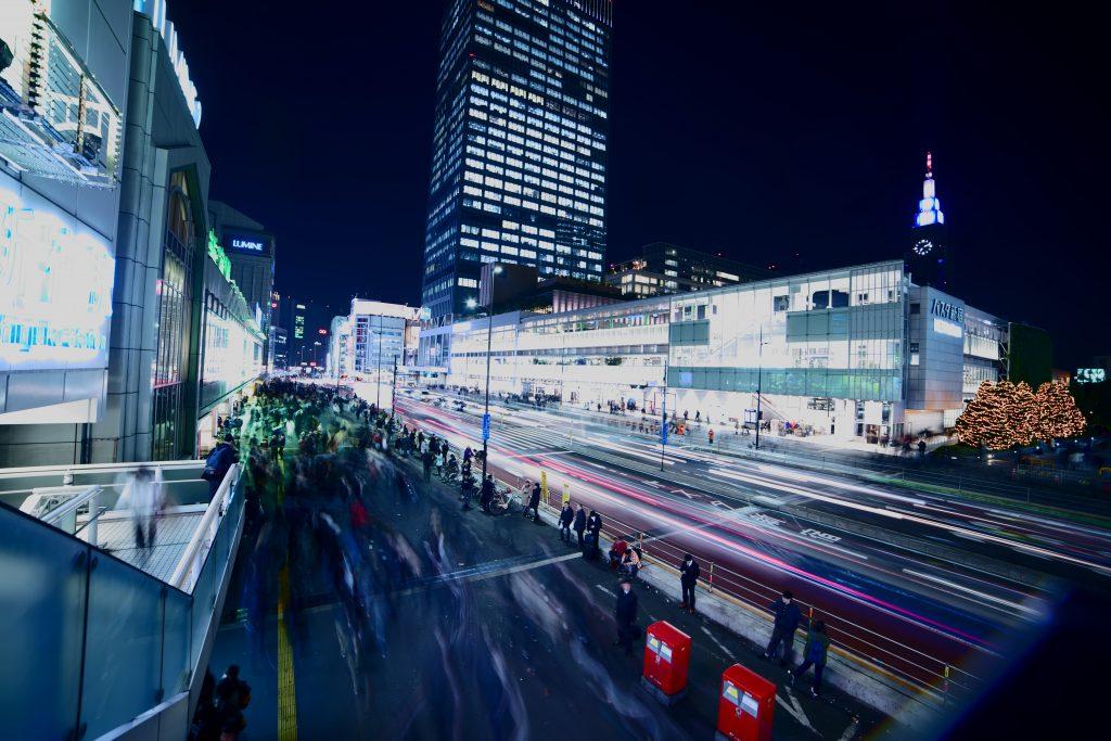 【α7III】SAMYANG単焦点広角レンズで撮影した新宿駅
