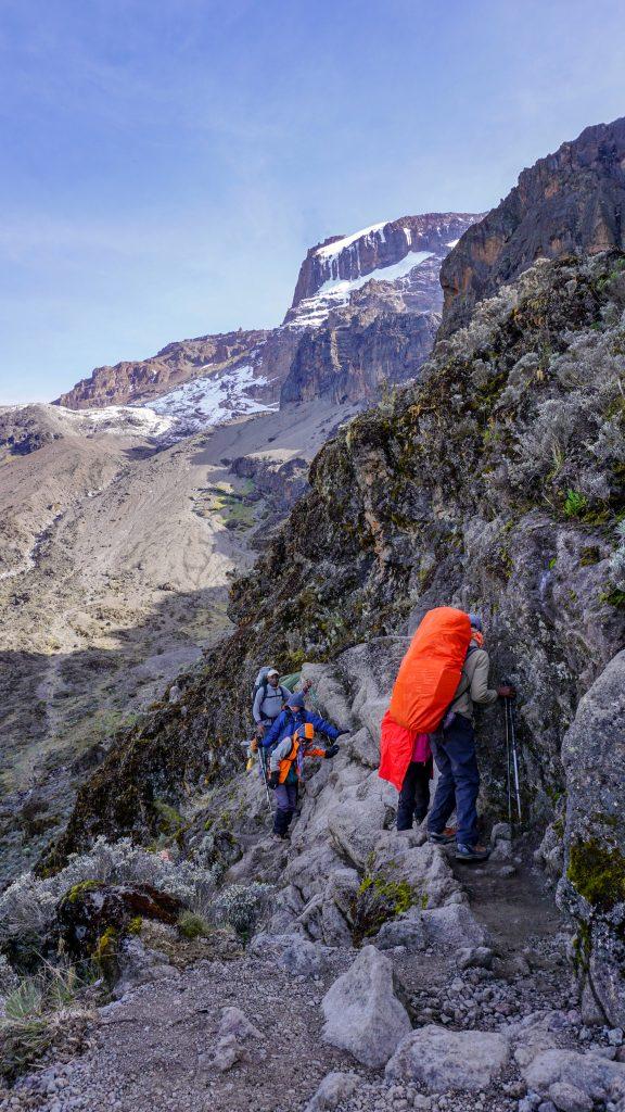 キリマンジャロ・マチャメルート登山中に眺める景色・風景(写真)