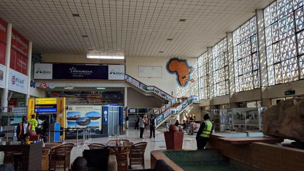ルサカ国際空港の内観