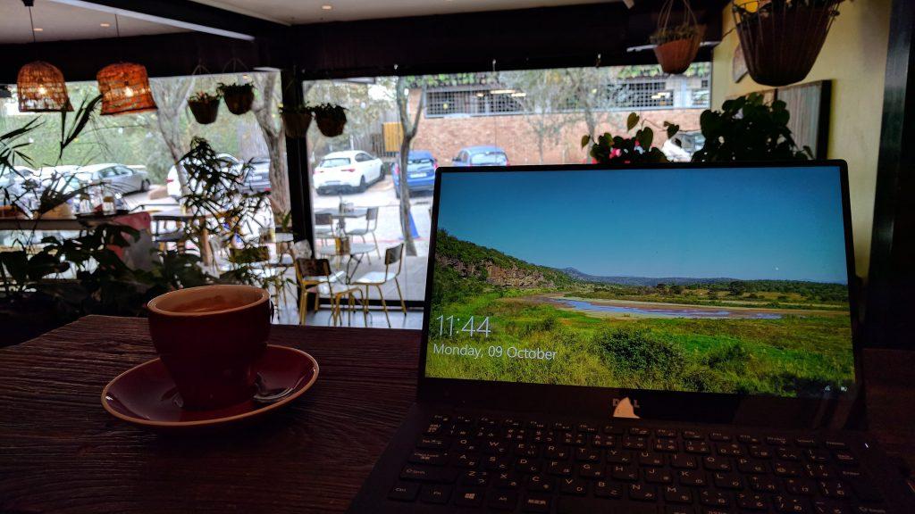 おしゃれな雰囲気のカフェも数多くある