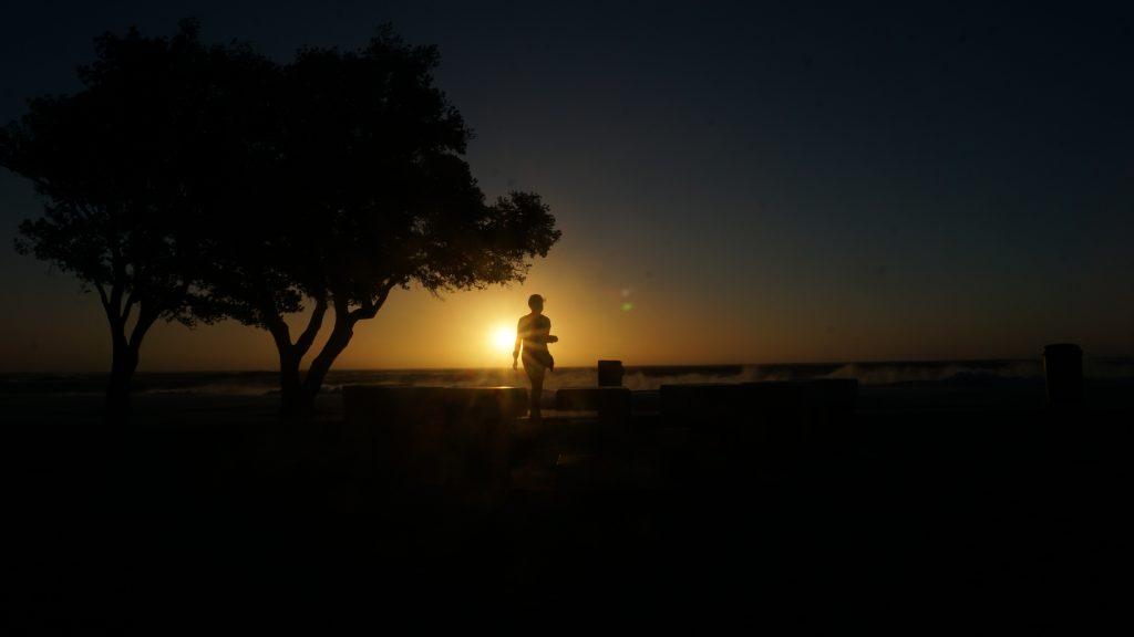 キャンプスベイで夕日を眺めるのがおすすめ