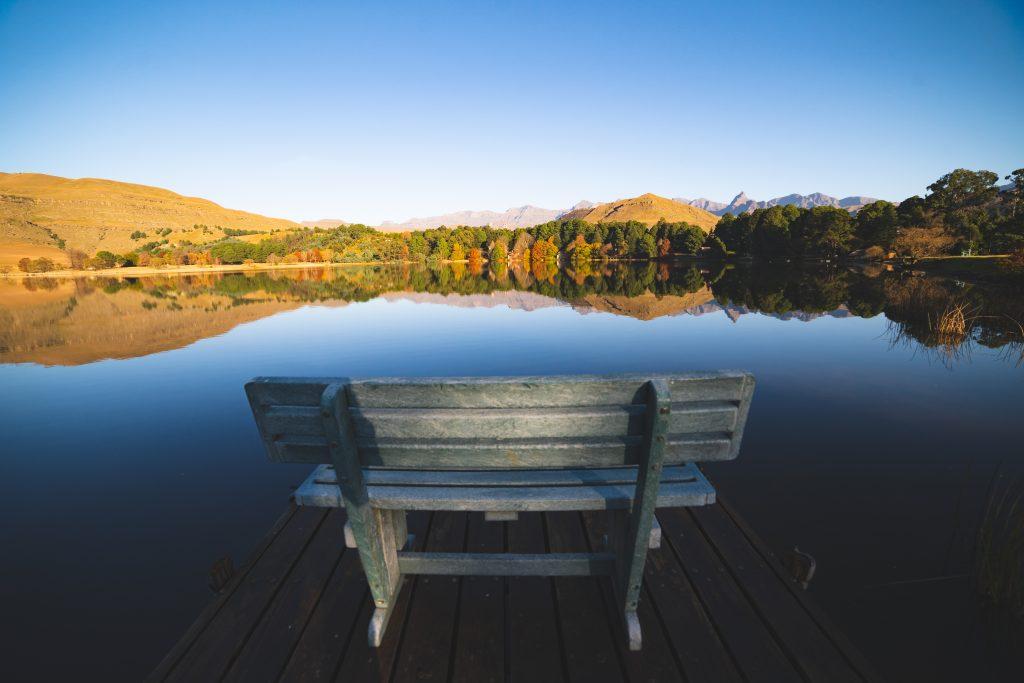 ドラケンスバーグの麓にあるNaverone Lake