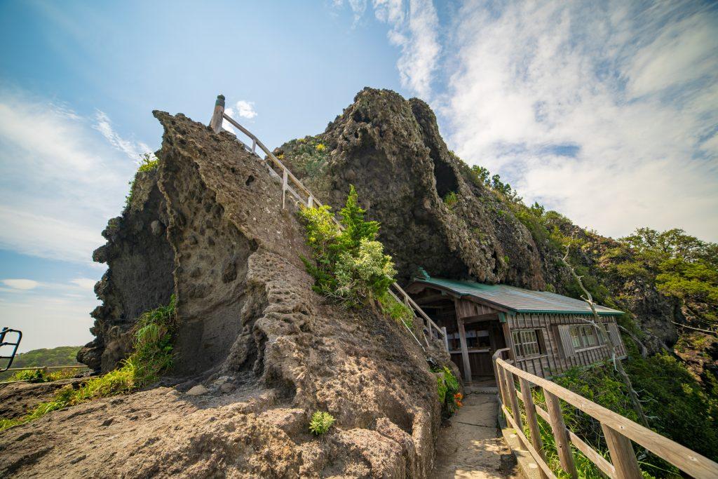 石廊崎オーシャンパークのにある石室神社