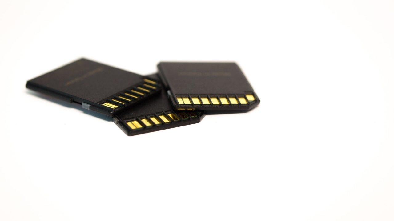 α7IIIがフリーズする理由は、microSDカードにアリ