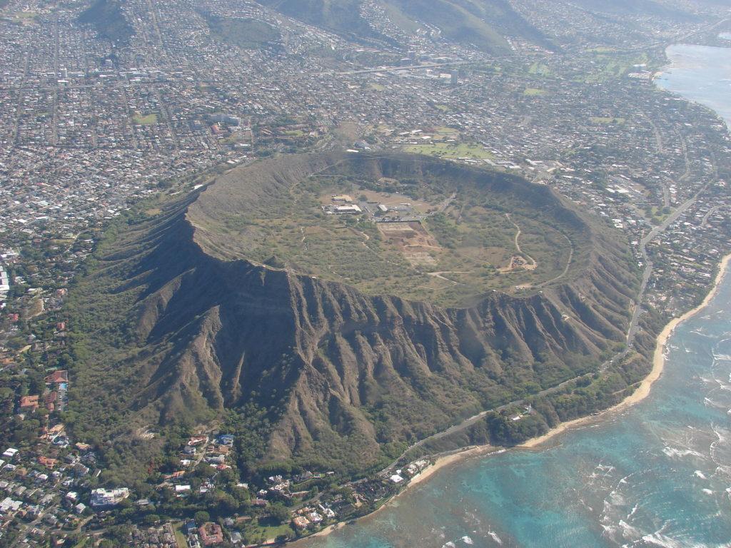 ハワイの有名観光スポット「ダイヤモンドヘッド」とは?