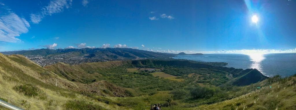 広範囲に景色が広がっているので、360度カメラや、パノラマ撮影機能を持ったカメラを使うと本領発揮。